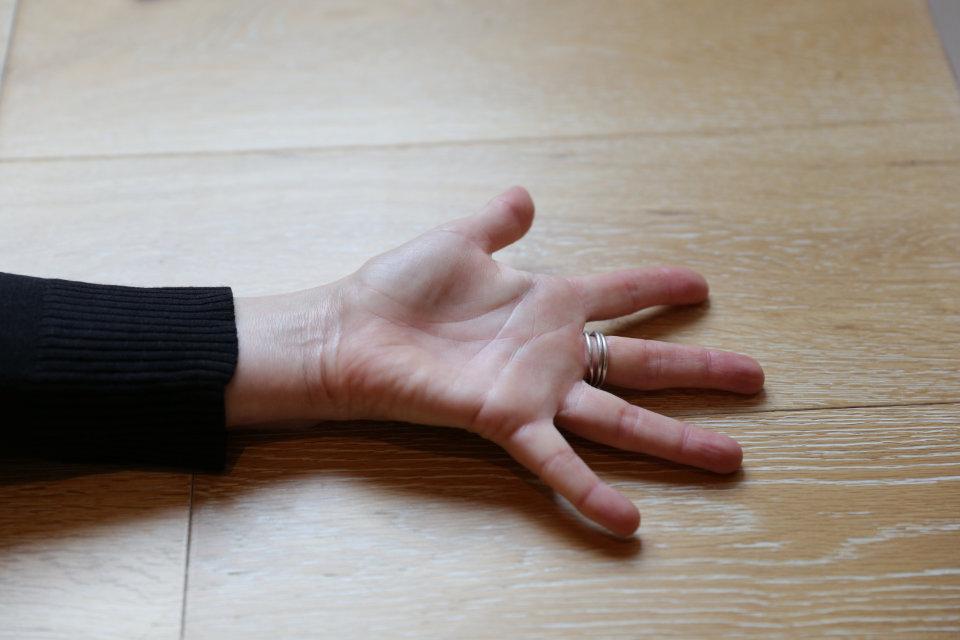 960_hand1